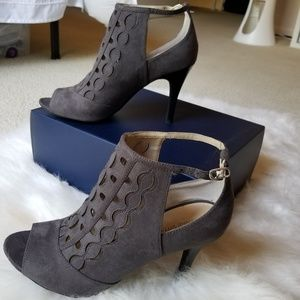 Adrienne Vittadini Shoes